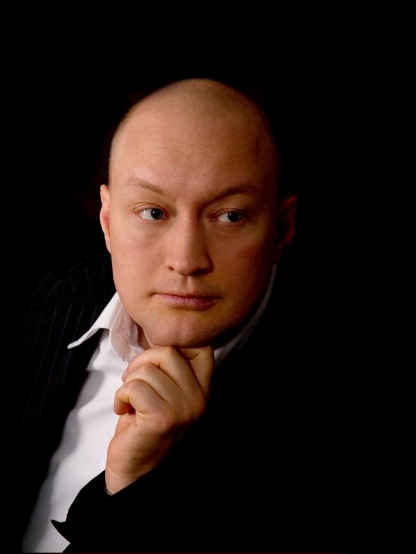 Портрет в костюме Владимира Козлова